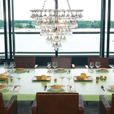 Lustre verres vino glass luminaire design deco tendency - Deco design eetkamer ...