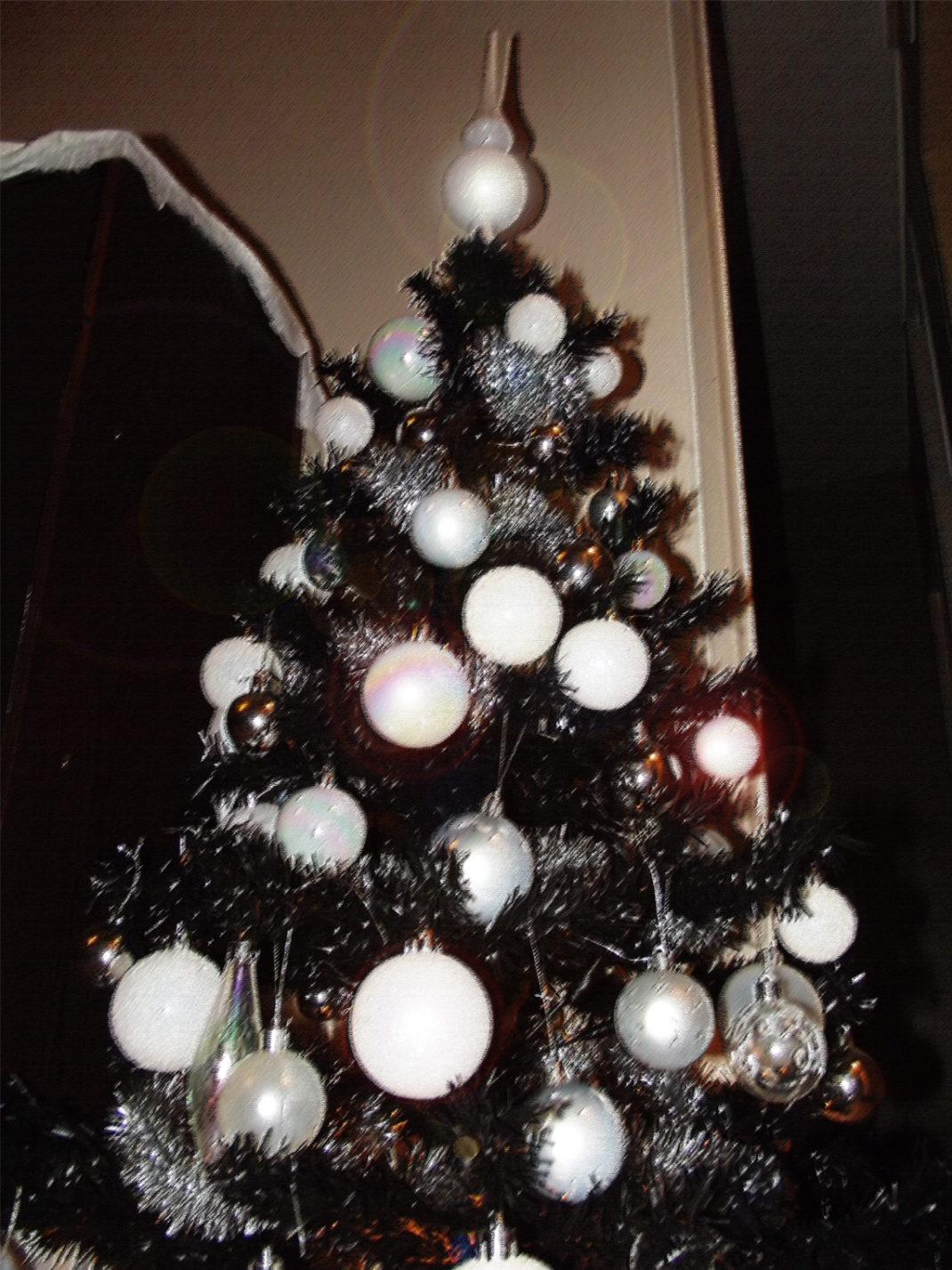 Ma d coration de no l blanc et argent deco tendency - Sapin de noel decoration blanc argent ...
