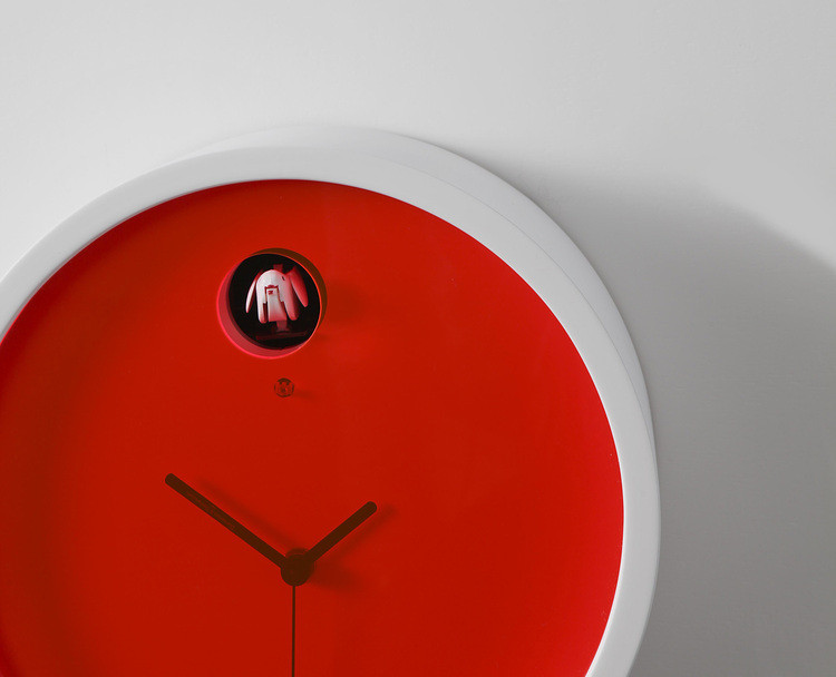 horloge coucou design plex le blog deco tendency. Black Bedroom Furniture Sets. Home Design Ideas