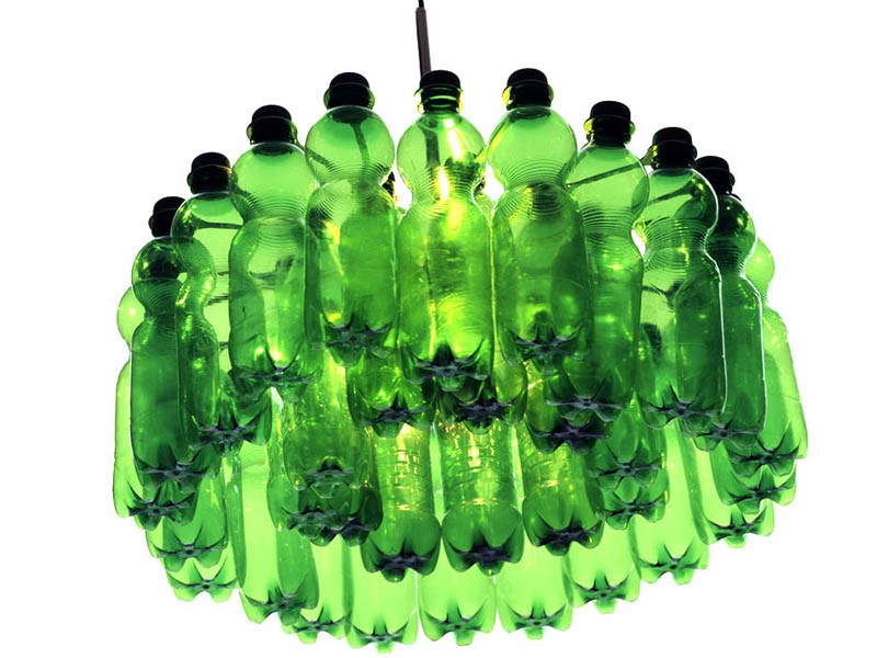 Le lustre P.E.T. Light 33 upcycling