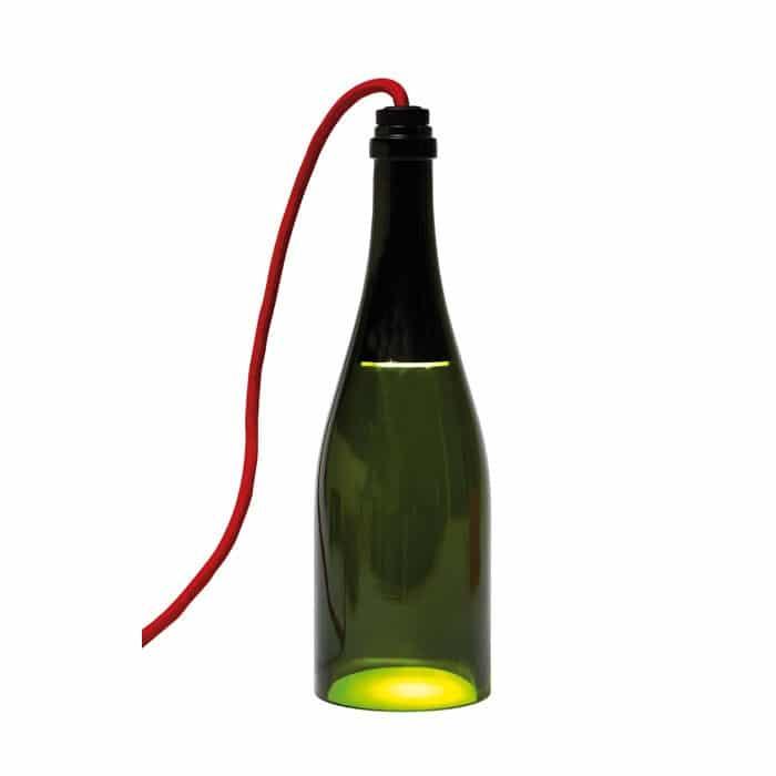 bouteille torche la lampe de table faite avec une bouteille. Black Bedroom Furniture Sets. Home Design Ideas