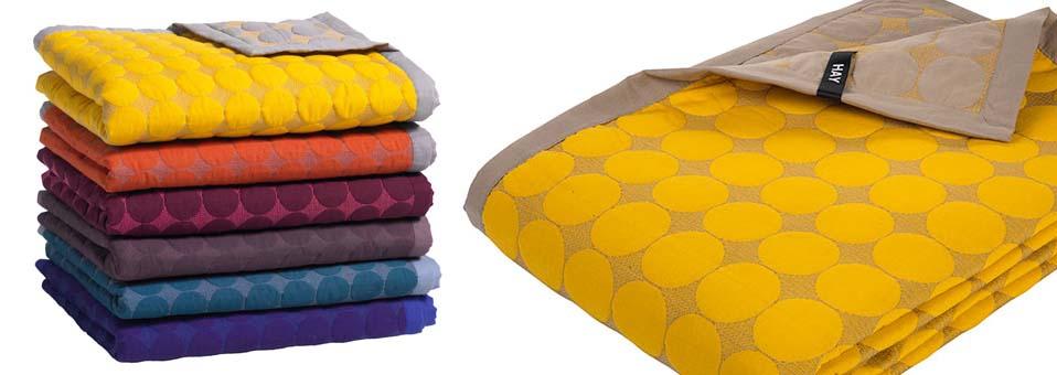 plaid Dot hay - Pendura - Un porte-manteau très design