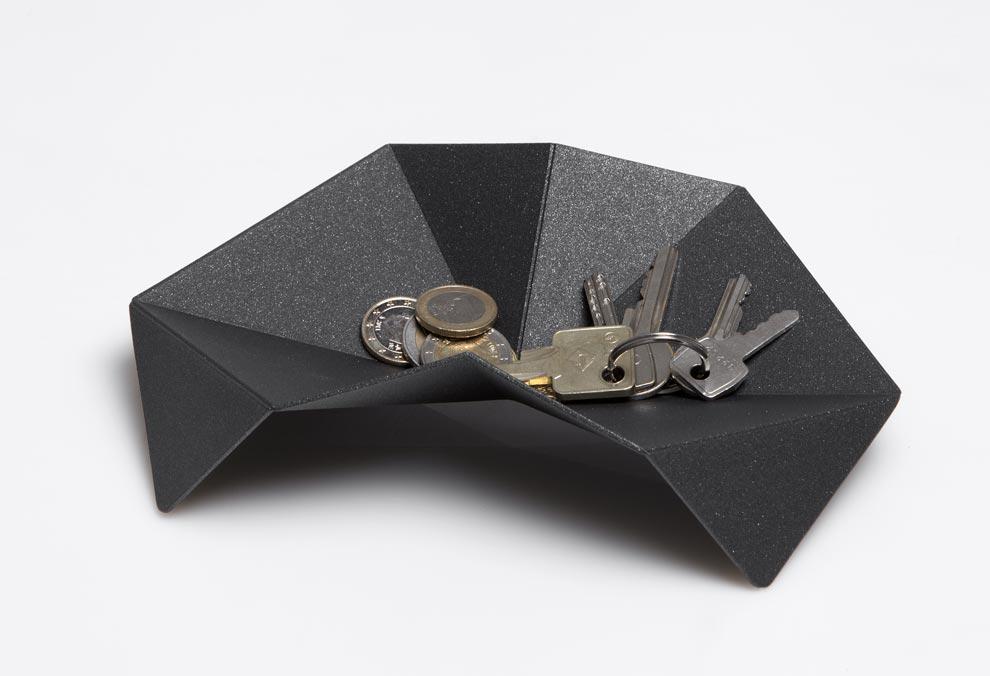 mathias van de walle imagine le vide poche crab. Black Bedroom Furniture Sets. Home Design Ideas