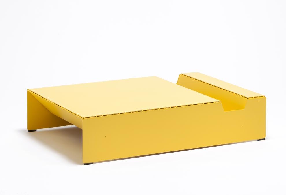 emmanuel gardin pr sente la table basse recto verso. Black Bedroom Furniture Sets. Home Design Ideas