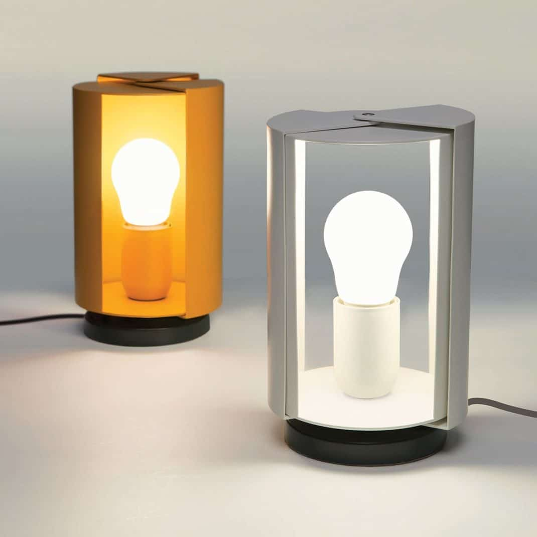 Charlotte perriand pr sente la lampe poser pivotante - Lampe charlotte perriand ...
