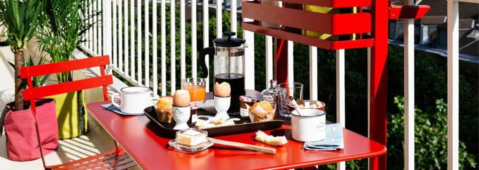 Bistro – La table pliante de balcon by Fermob