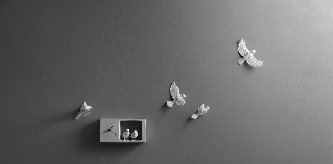 haoshi pr sente ses horloges time flies blog deco tendency. Black Bedroom Furniture Sets. Home Design Ideas
