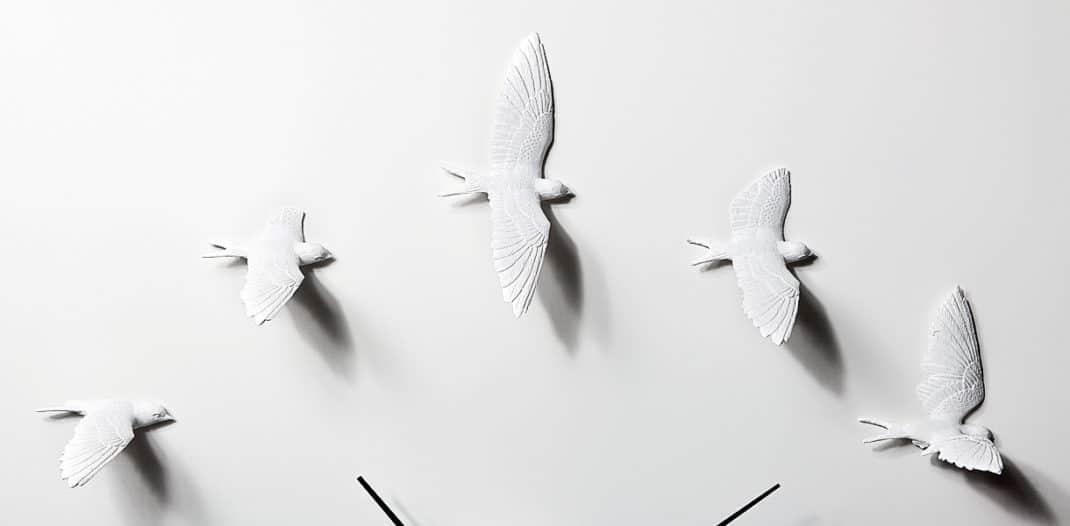 L'horloge Swallow X by Haoshi