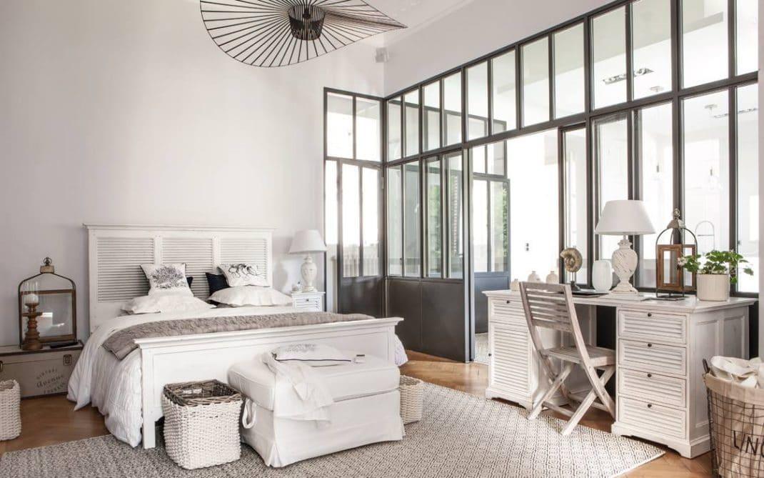 interior 39 s des meubles et de la d coration la fran aise. Black Bedroom Furniture Sets. Home Design Ideas