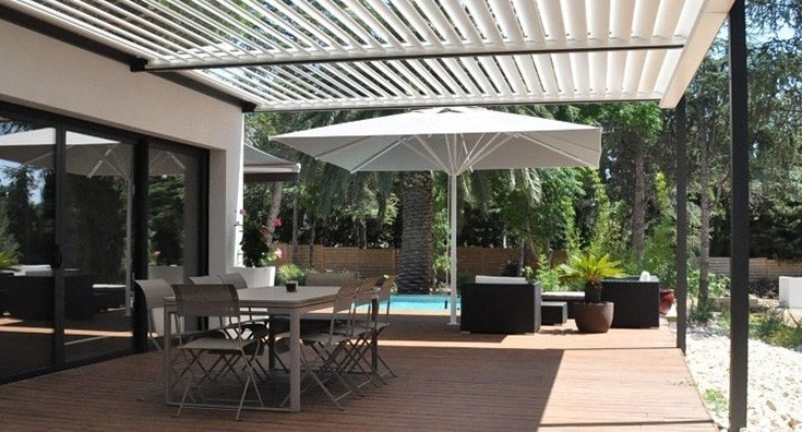 terrasse avec pergola cheap with terrasse avec pergola best agencement moderne duune terrasse. Black Bedroom Furniture Sets. Home Design Ideas