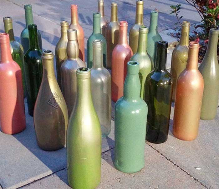 8 fa on d 39 utiliser des bouteilles en verre pour sa d coration. Black Bedroom Furniture Sets. Home Design Ideas