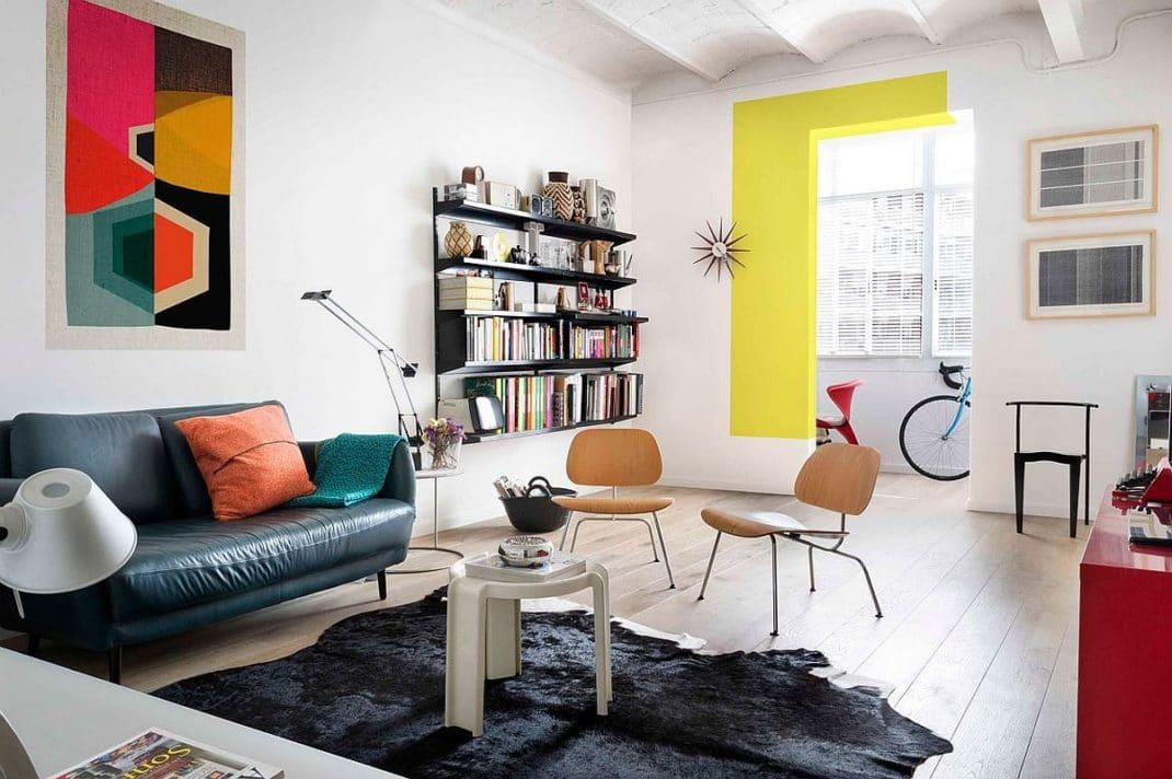 Une d co color e pour un appartement plein de personnalit for Element decoration salon