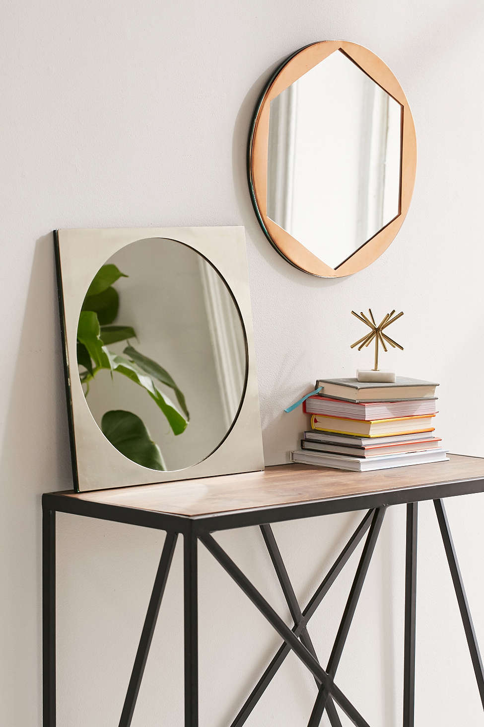 Miroirs g om triques ils sont plus tendances que jamais for Miroir geometrique