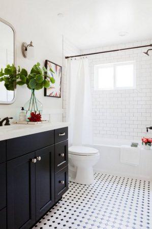 idées déco de salle de bain en noir et blanc 299x450 - idées déco de salle de bain en noir et blanc