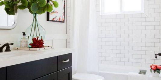 idées déco de salle de bain en noir et blanc 534x267 - 21 idées déco de salle de bain en noir et blanc