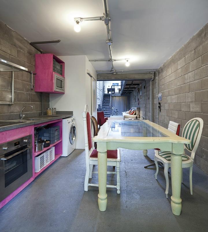 r novation d un b timent industriel en maison cosy. Black Bedroom Furniture Sets. Home Design Ideas