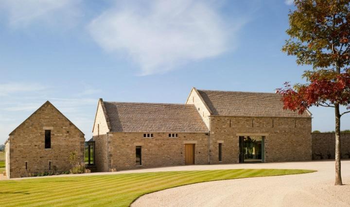 Rénovation d'une grange by McLean Quinlan