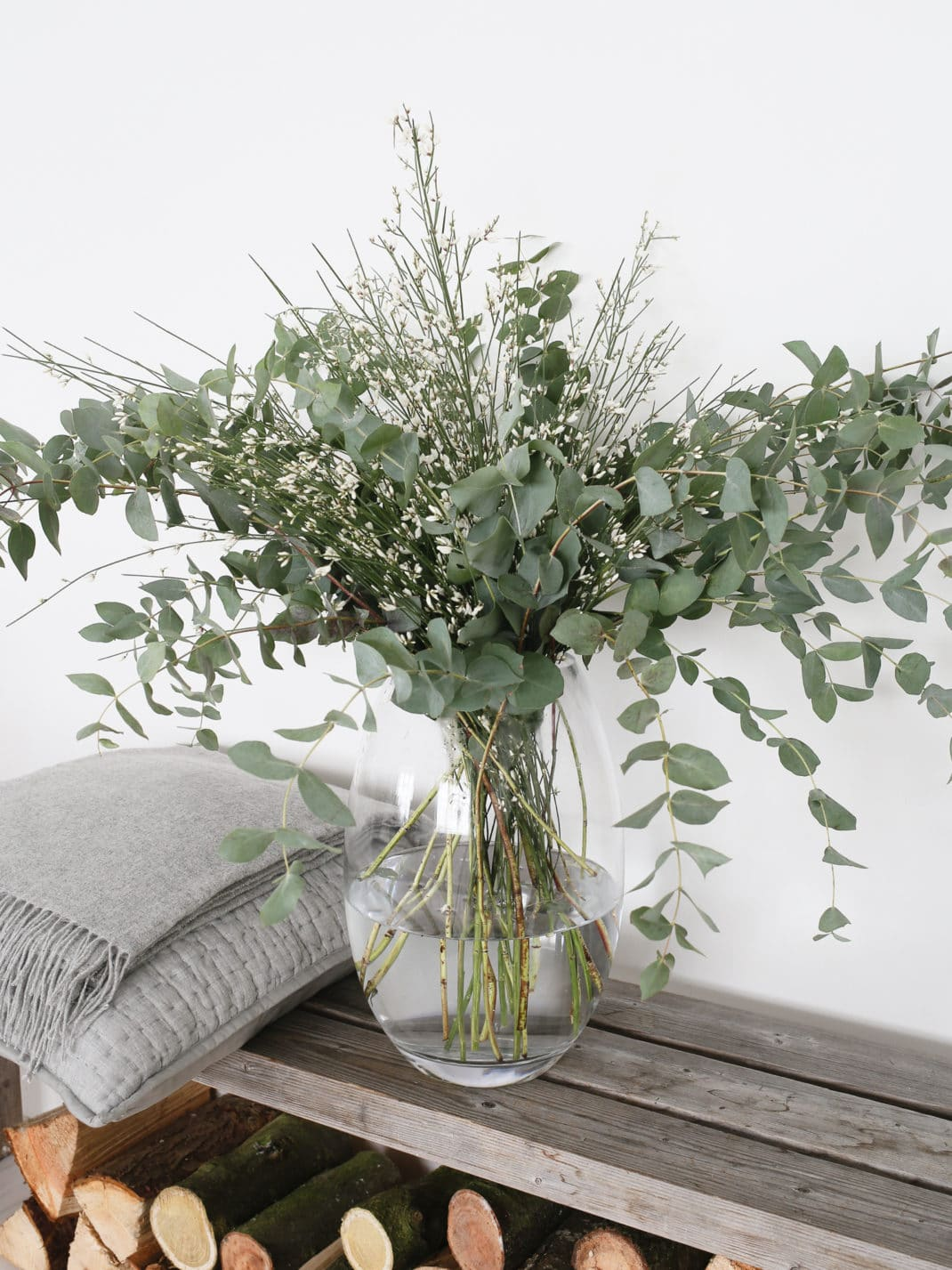 comment choisir le bon vase design pour vos fleurs. Black Bedroom Furniture Sets. Home Design Ideas