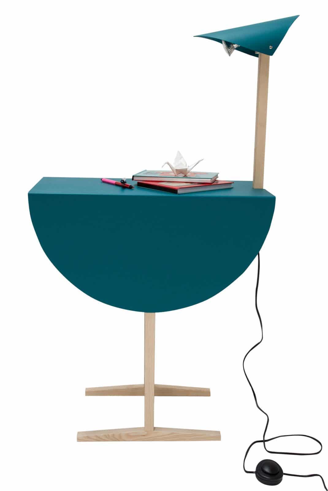 Nauset une version moderne de la lanterne by paolo gerosa - Lampe au dessus d une table ...