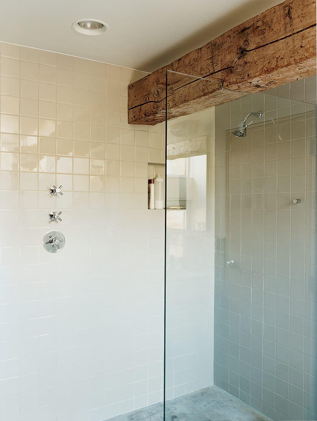 R nover une grange en un loft industriel paradisiaque for Eurotrend bathrooms