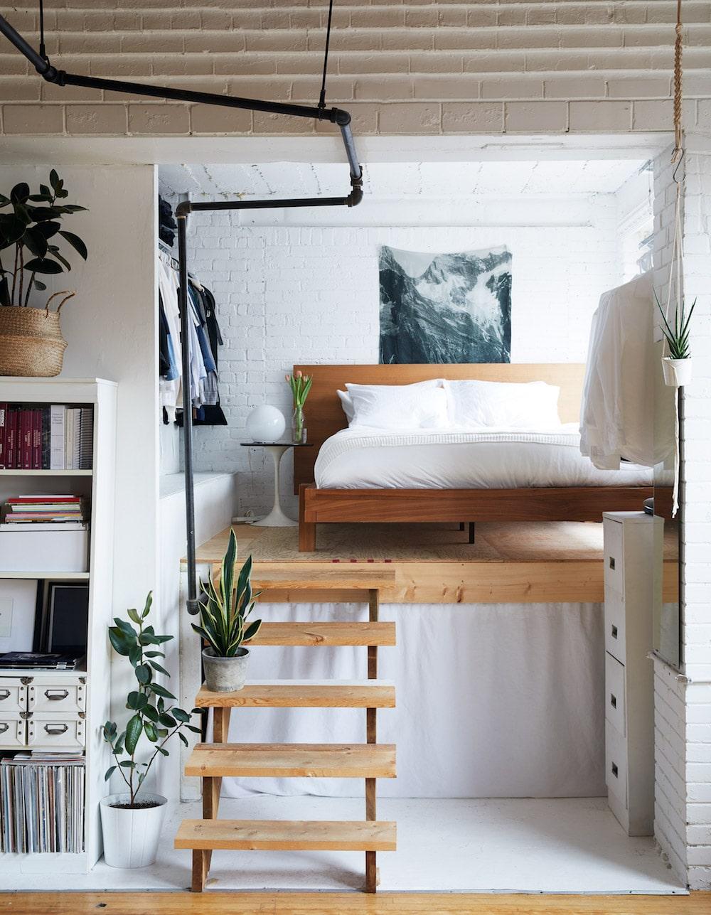 d coration simple et chic pour ce refuge de bibliophile. Black Bedroom Furniture Sets. Home Design Ideas