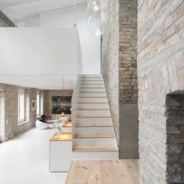 rénover un bâtiment historique Asdfg Architekten 267x267 - Rénover un bâtiment historique pour le transformer en maison d'exception