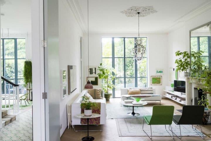 visite d un int rieur contemporain victorien tr s chic. Black Bedroom Furniture Sets. Home Design Ideas