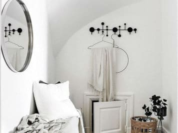 Décoration cosy petit studio 7 356x267 - Une décoration cosy pour optimiser l'espace de ce petit studio