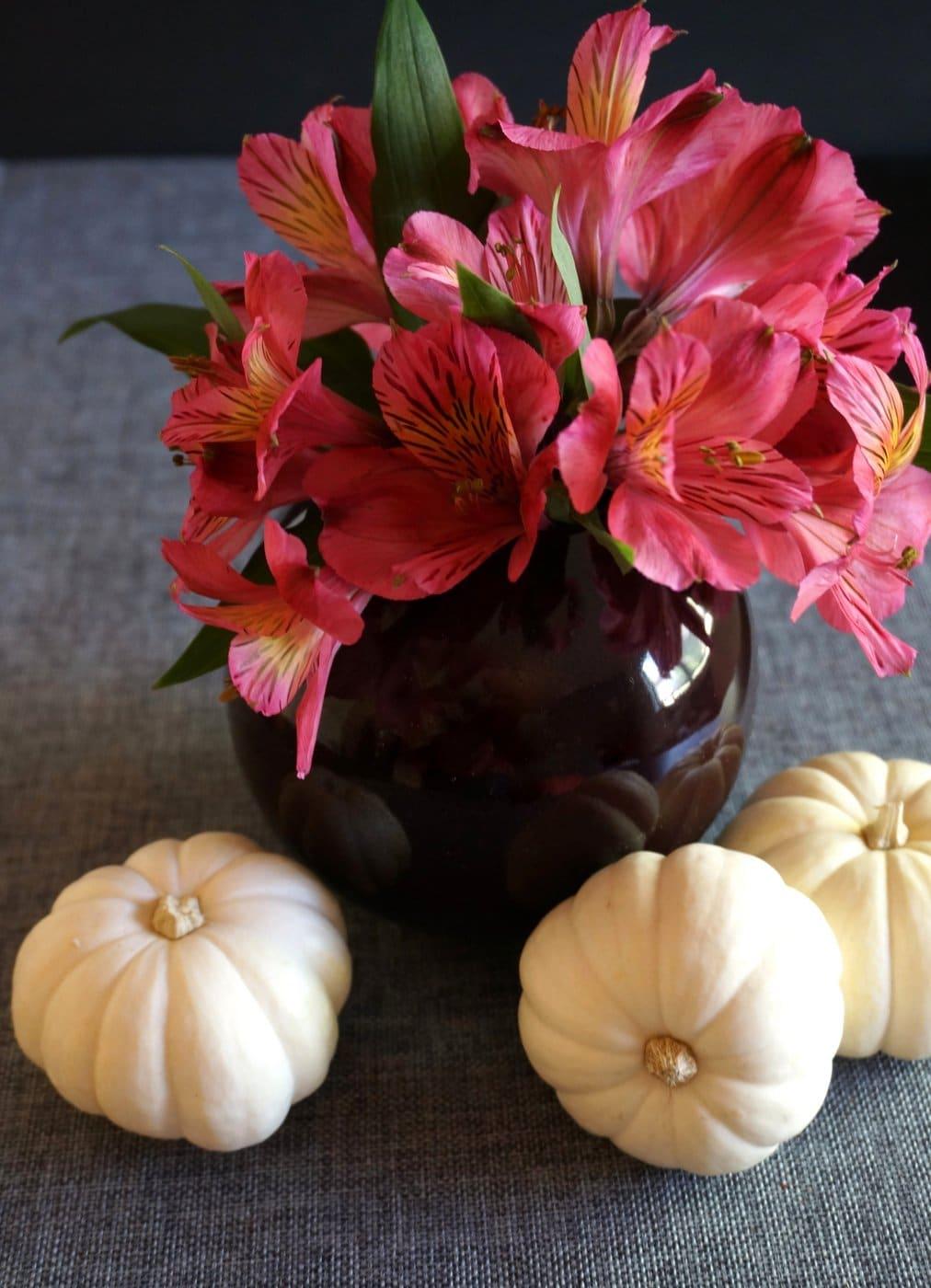 Comment dresser une table d 39 halloween l gante - Comment disposer les couverts sur une table ...