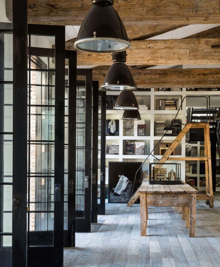 diane keaton nous fait visiter sa jolie ferme rustique. Black Bedroom Furniture Sets. Home Design Ideas