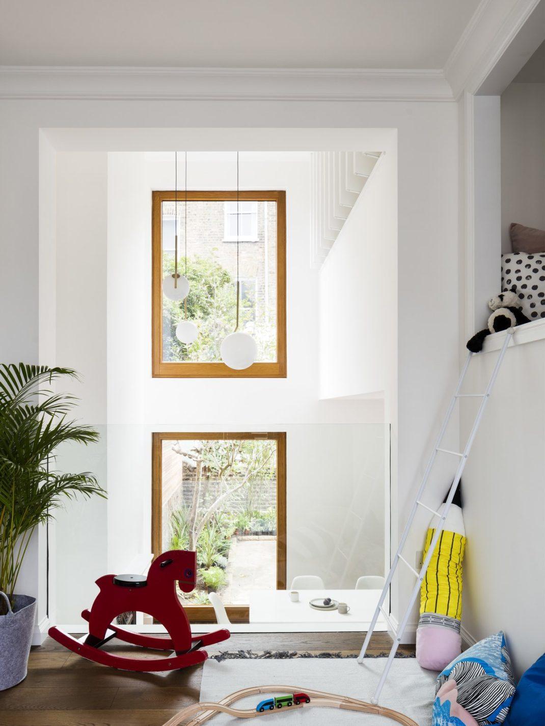 Amos Goldreich Architecture rénove une maison familiale londonienne