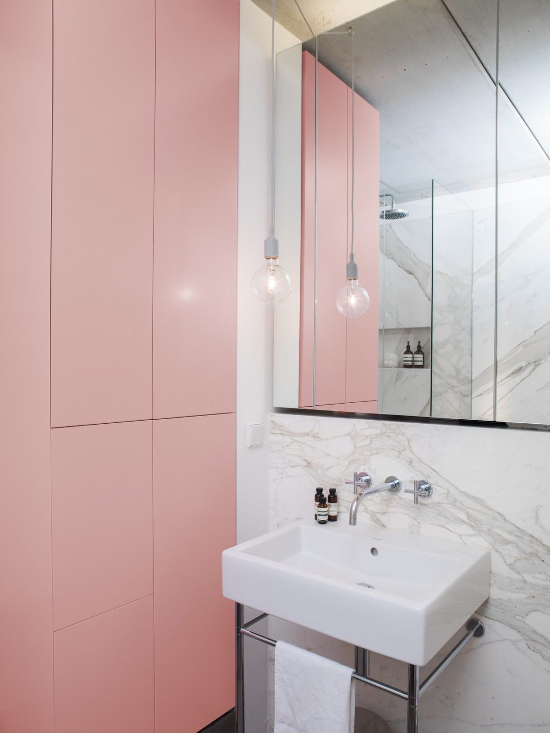 rangements de salle de bain pratique à essayer chez vous - Rangement Pratique Salle De Bain