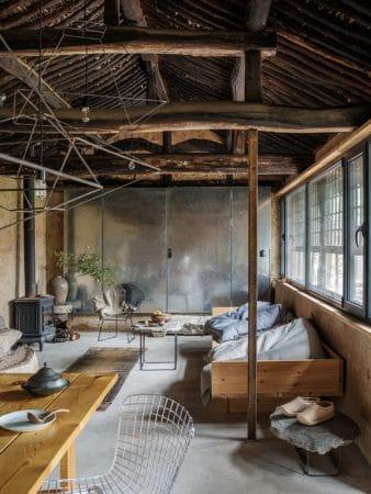 Rénover une ruine pour en faire une maison moderne et confortable 1 338x450 - Rénover une ruine pour en faire une maison moderne et confortable 1