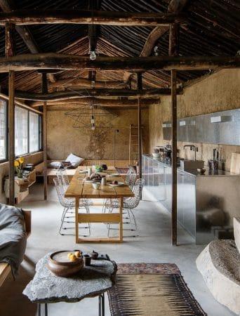 Rénover une ruine pour en faire une maison moderne et confortable 342x450 - Rénover une ruine pour en faire une maison moderne et confortable