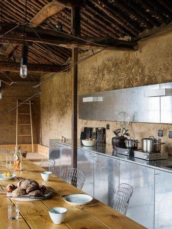 Rénover une ruine pour en faire une maison moderne et confortable 4 338x450 - Rénover une ruine pour en faire une maison moderne et confortable 4
