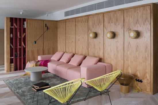 Olha Wood dévoile un appartement mixant le béton et le rose 3 550x367 - Olha Wood dévoile un appartement mixant le béton et le rose 3