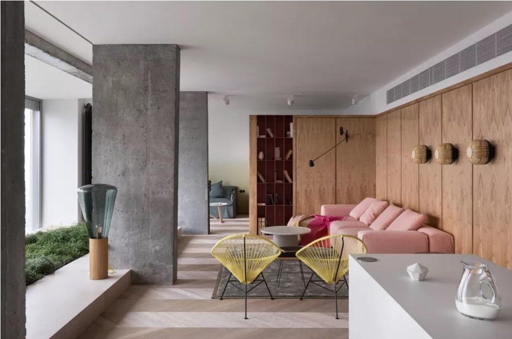 Olha Wood dévoile un appartement mixant le béton et le rose