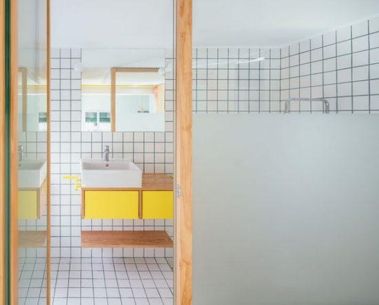 Ce micro appartement Madrilène est rempli de surprises cachées 1 550x443 - Ce micro appartement Madrilène est rempli de surprises cachées 1