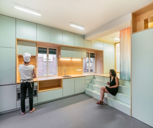 Ce micro appartement Madrilène est rempli de surprises cachées 2 540x450 - Ce micro appartement Madrilène est rempli de surprises cachées 2