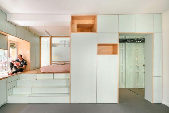 Ce micro appartement Madrilène est rempli de surprises cachées 4 550x369 - Ce micro appartement Madrilène est rempli de surprises cachées 4