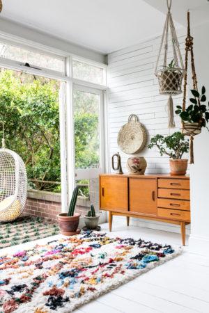 maison lumineuse minimaliste mais spacieuse 300x450 - maison lumineuse, minimaliste mais spacieuse