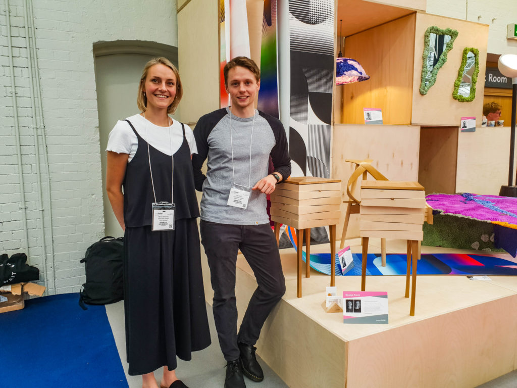 100% Design-14 Les Reveal Tables by Freya Whamond et Sam Bolt
