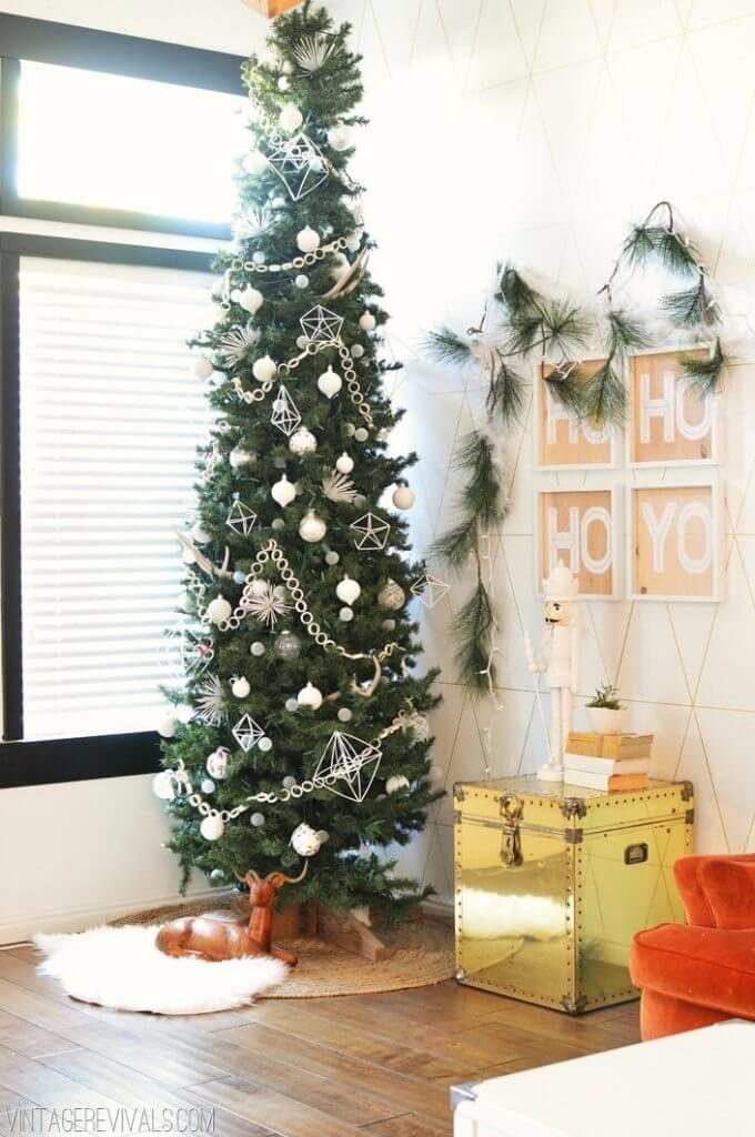 Décorations de sapins de Noël blanc