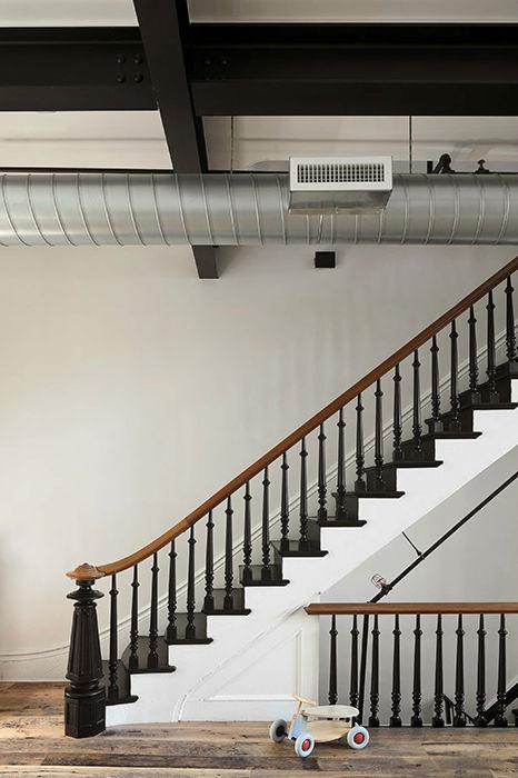 Murdock Solon dévoile la nouvelle décoration légère et aérée de cette maison de Clinton Hill 7