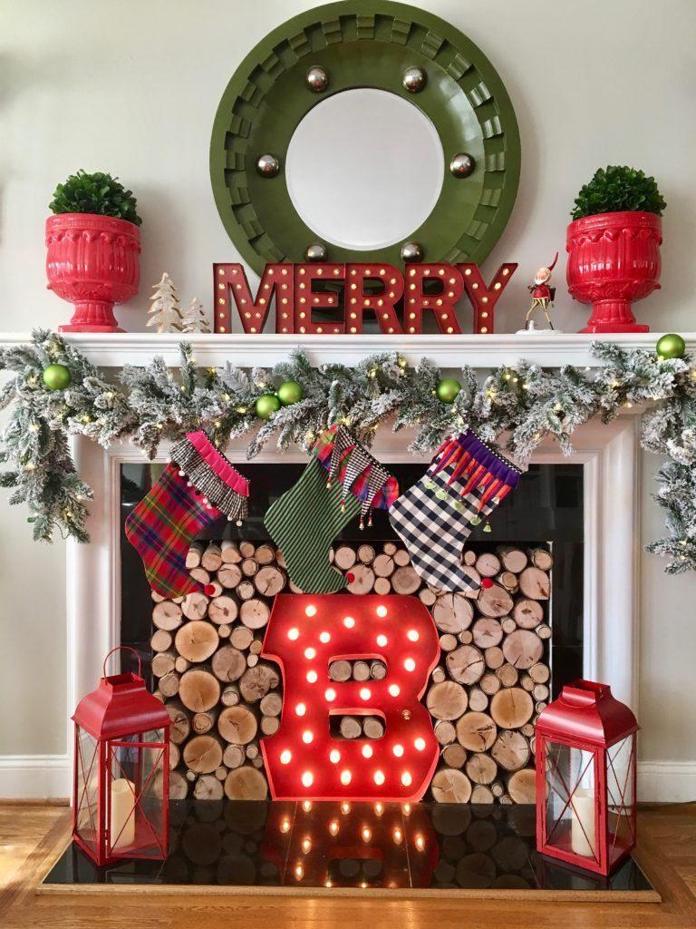 Décorer sa cheminée à Noëlles classiques
