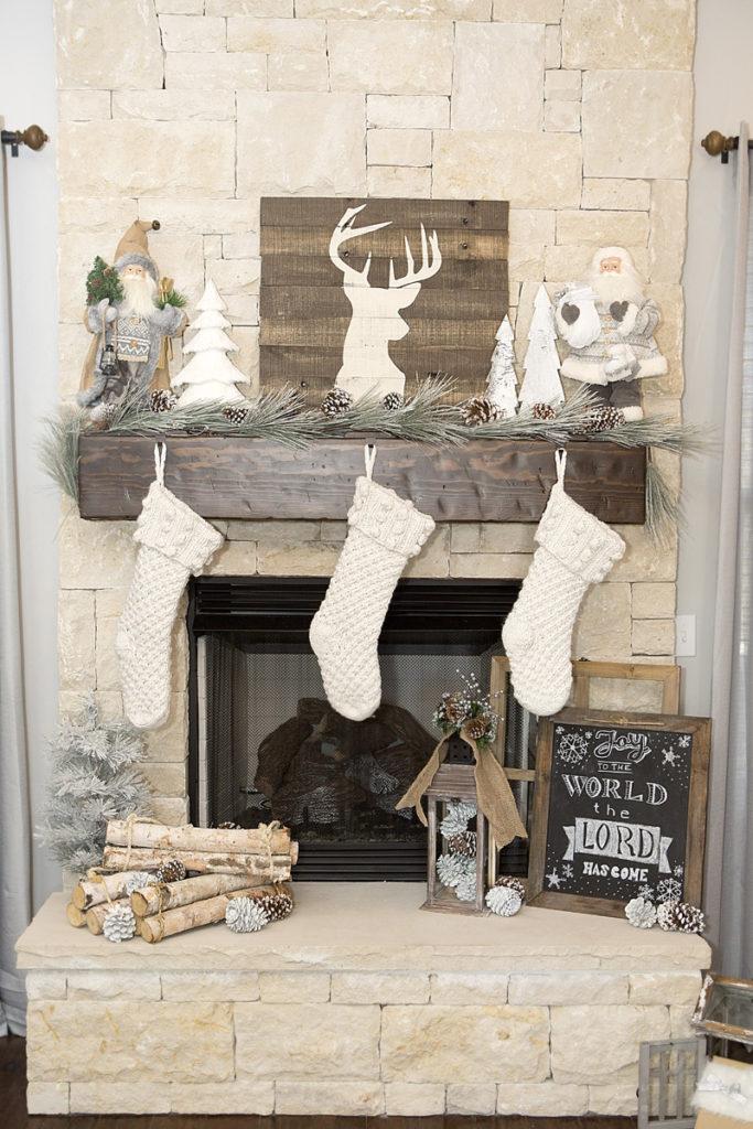 Décorer sa cheminée à Noëlun soupçon de magie