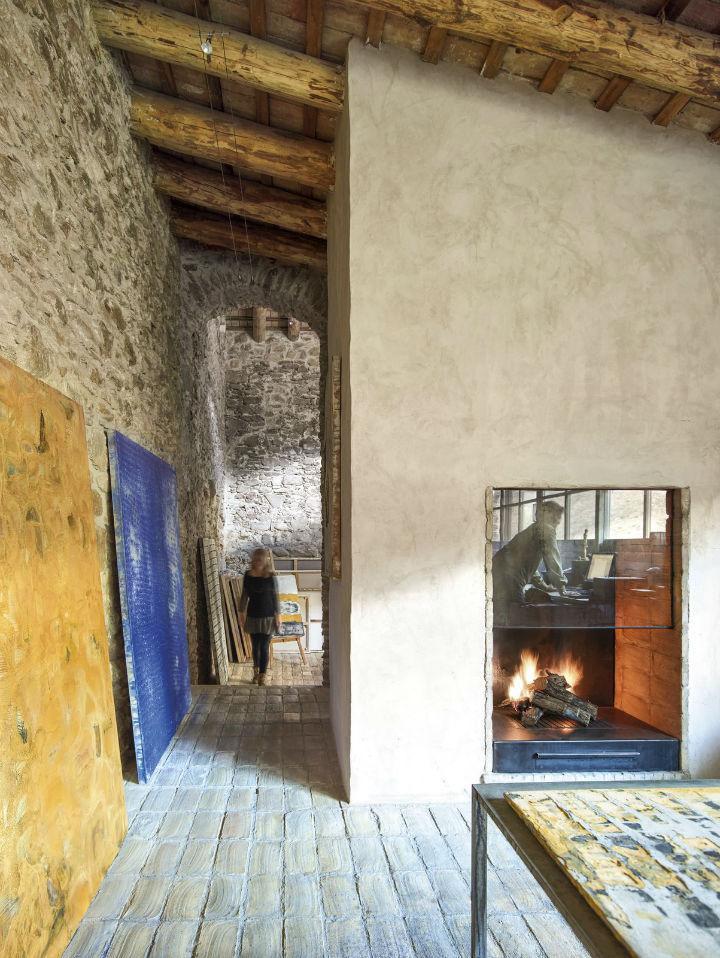 Joan Lao Design Studio dévoile la rénovation de cette ferme centenaire 4