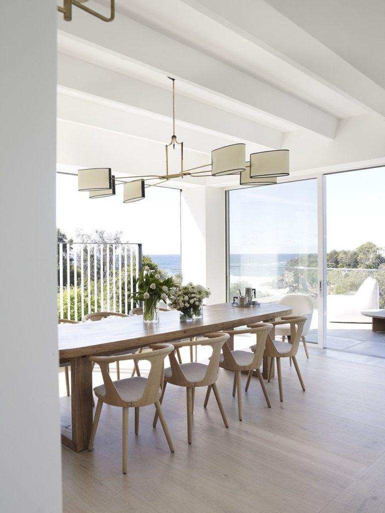 Des salles à manger minimalistes à la décoration revigorante