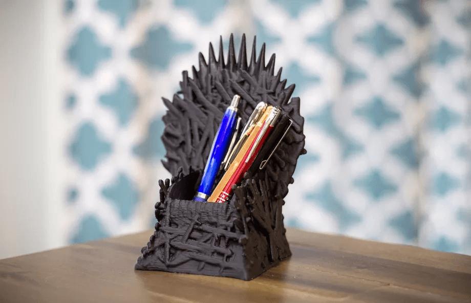 Le porte-crayon trône de fer – 13,99 dollars