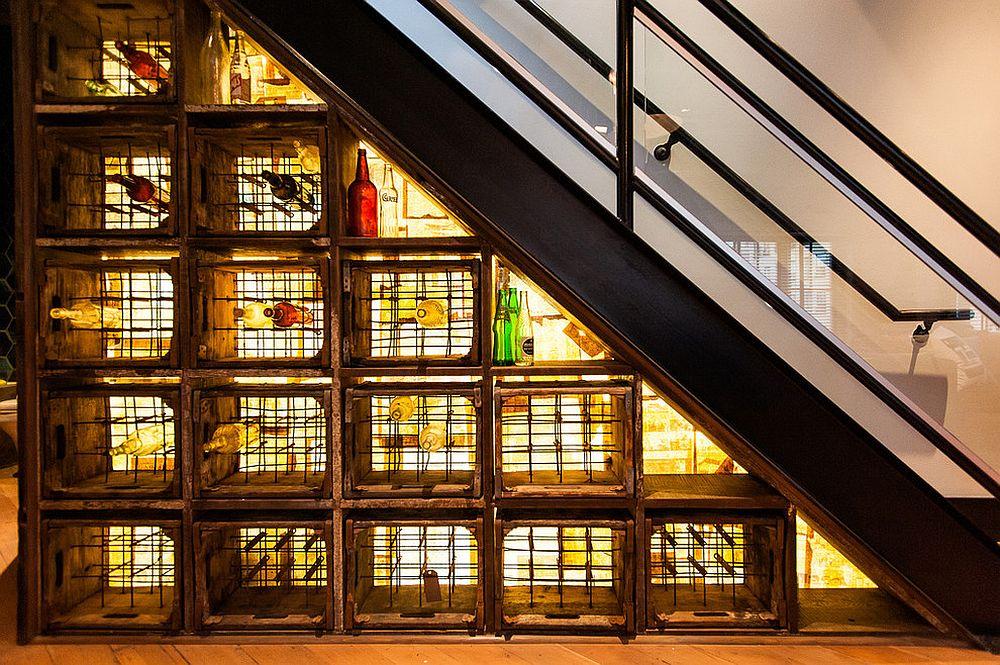 Utiliser l'espace sous l'escalier pour du rangement 1